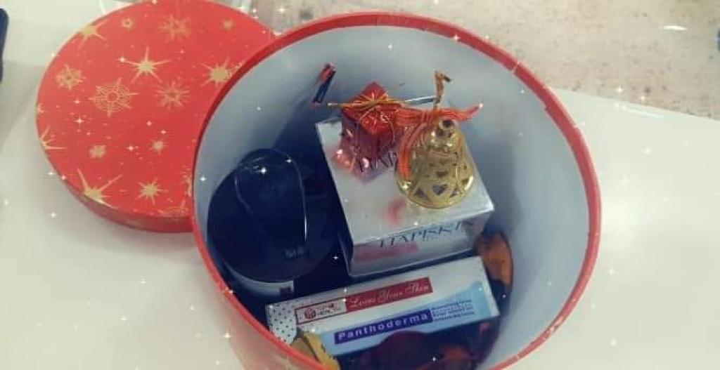 صيدلية مؤمنة الحمداني تقدم لكم هواية بمناسبة عيد رأس السنة مقدمة من شركة Top Health TOP HEALTH